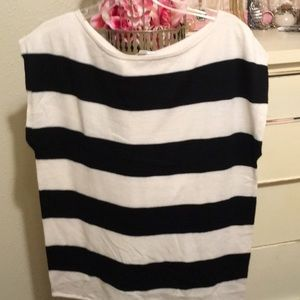 NYC xl black and white striped top.